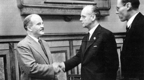 Podpisanie paktu Ribbentrop-Mołotow - Sputnik Polska