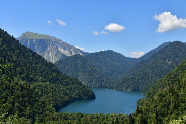 Jezioro Rica w Reliktowym Parku Narodowym w Abchazji   - Sputnik Polska