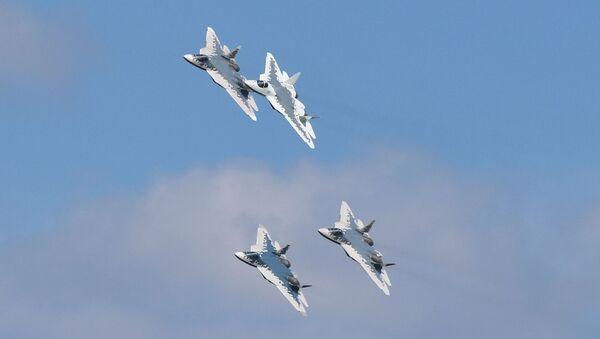 Su-57 podczas próby generalnej przed otwarciem salonu lotniczego MAKS 2019 - Sputnik Polska