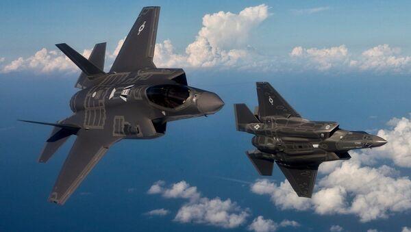 Myśliwce F-35 w tureckiej przestrzeni powietrznej - Sputnik Polska