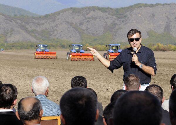 Micheil Saakaszwili na spotkaniu z rolnikami - Sputnik Polska