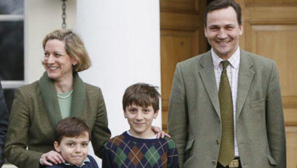 Marszałek Sejmu Radosław Sikorski z żoną, dziennikarką Anne Applebaum i dziećmi - Sputnik Polska