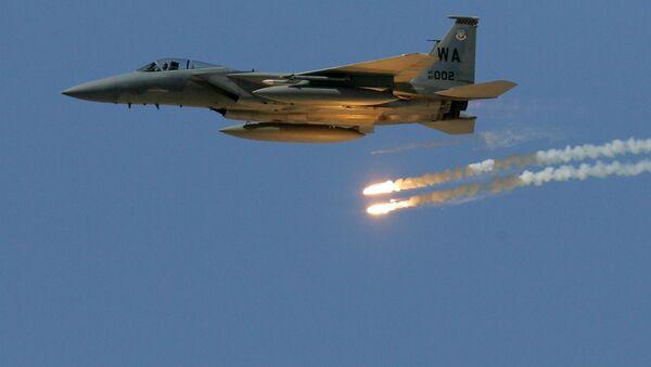 F-15 Eagle podczas demonstracji siły ognia Sił Powietrznych USA na poligonie w Nevadzie - Sputnik Polska