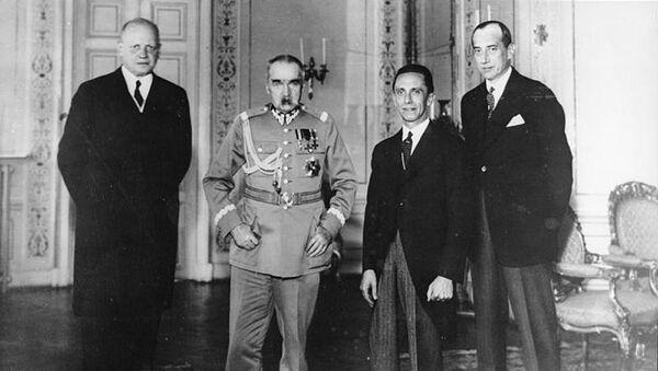 Hans Adolf von Moltke, Józef Piłsudski, Joseph Goebbels i Józef Beck w Warszawie 14 czerwca 1934 r. - Sputnik Polska