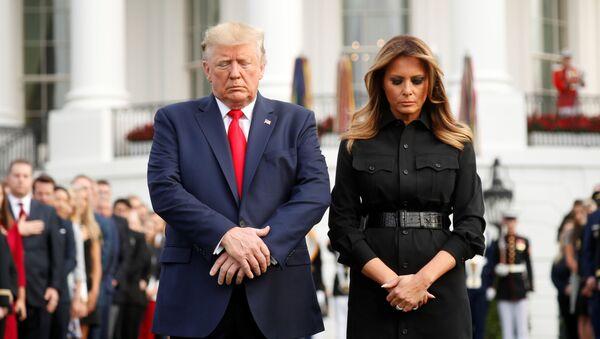 Prezydent USA Donald Trump wraz z żoną Melanią upamiętnia ofiary ataku na World Trade Center - Sputnik Polska