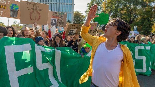 Młodzieżowy Strajk Klimatyczny w Warszawie - Sputnik Polska