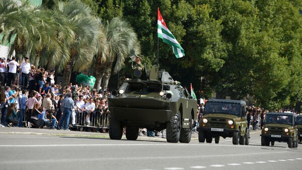 Sprzęt wojskowy na paradzie na cześć Dnia Niepodległości Abchazji - Sputnik Polska