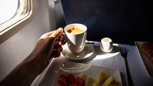 Kawa na pokładzie samolotu - Sputnik Polska