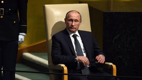 Президент России Владимир Путин перед выступлением на пленарном заседании 70-й сессии Генеральной Ассамблеи ООН в Нью-Йорке - Sputnik Polska