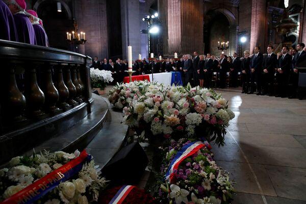 Ceremonia pogrzebowa byłego prezydenta Francji w kościele Saint Sulpice w Paryżu - Sputnik Polska
