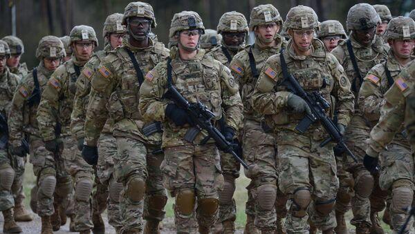 Żołnierze wielonarodowego batalionu NATO  w Orzyszu - Sputnik Polska