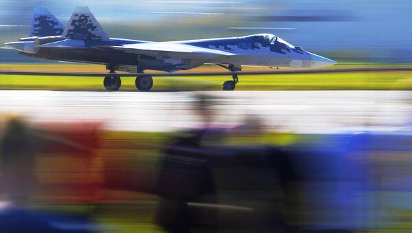 Rosyjski wielozadaniowy myśliwiec piątej generacji Su-57 na Międzynarodowych Targach MAKS-2019 - Sputnik Polska