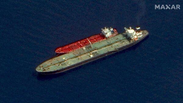 Dwa tankowce pod irańską banderą, Adrian Darya 1 i Jasmine, u wybrzeży Syrii - Sputnik Polska