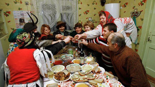 Białorusini świętują - Sputnik Polska