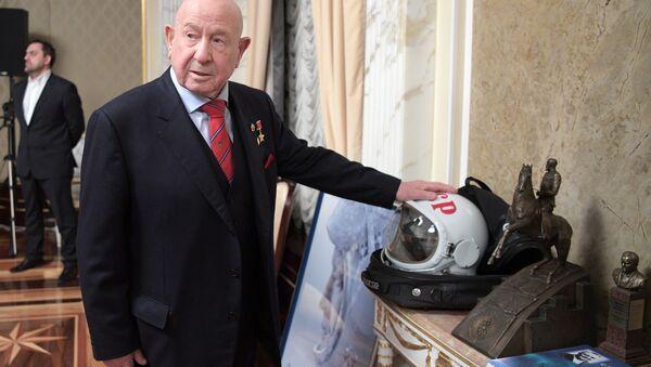 Kosmonauta Aleksiej Leonow, który jako pierwszy wyszedł w otwarty kosmos // Sputnik / Aleksiej Drużynin - Sputnik Polska