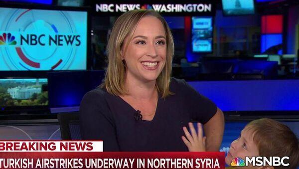Prowadząca kanału NBC i jej synek w programie na żywo  - Sputnik Polska