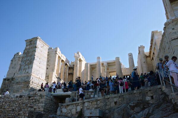 Monumentalne przejście do Akropolu w Atenach  - Sputnik Polska