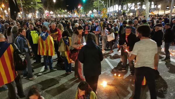 Protestujący w Barcelonie - Sputnik Polska