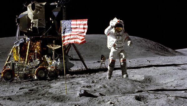 Lądowanie amerykańskich astronautów na Księżycu. - Sputnik Polska