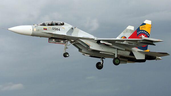 Myśliwiec Su-30MK2V sił powietrznych Wenezueli. - Sputnik Polska