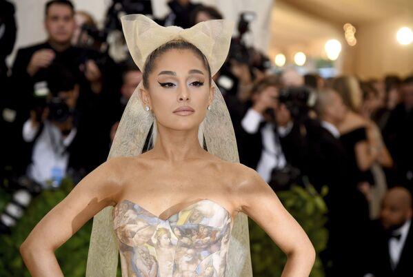 Amerykańska aktorka i piosenkarka Ariana Grande podczas corocznej gali The Metropolitan Museum of Art's Costume Institute w Nowym Jorku  - Sputnik Polska