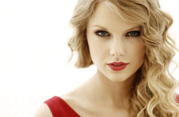 Amerykańska aktorka i piosenkarka Taylor Swift  - Sputnik Polska