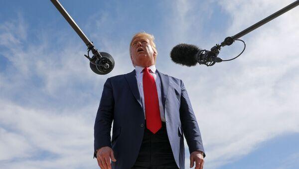 Prezydent USA Donald Trump podczas rozmowy z dziennikarzami na temat umowy Turcji o zawieszeniu broni w Syrii, Teksas - Sputnik Polska
