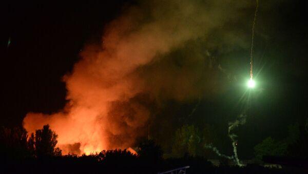 Pożar składów amunicji na terenie jednostki wojskowej w Doniecku - Sputnik Polska