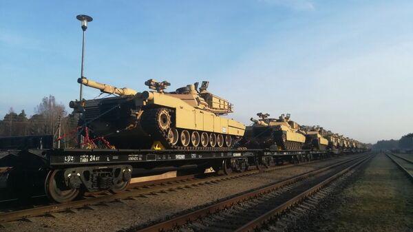 Amerykańskie czołgi Abrams - Sputnik Polska