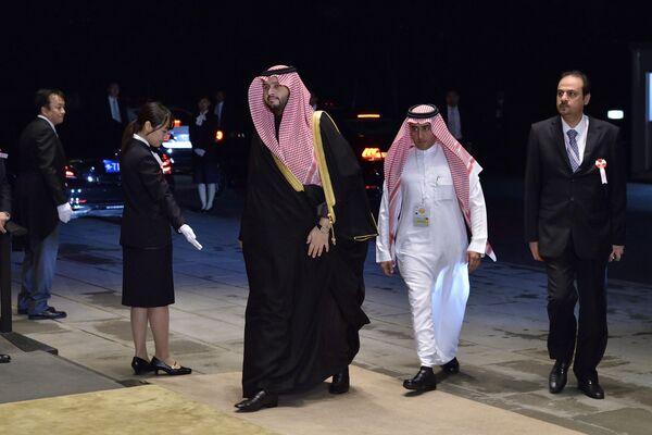 Książę Arabii Saudyjskiej przybywa do Pałacu Cesarskiego na bankiet z okazji intronizacji cesarza Naruhito - Sputnik Polska