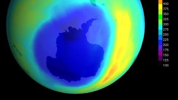 Dziura ozonowa Antarktyda - Sputnik Polska