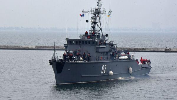 Trałowiec przeciwminowy NATO BGS Shkval wpływa do portu Odessy  - Sputnik Polska