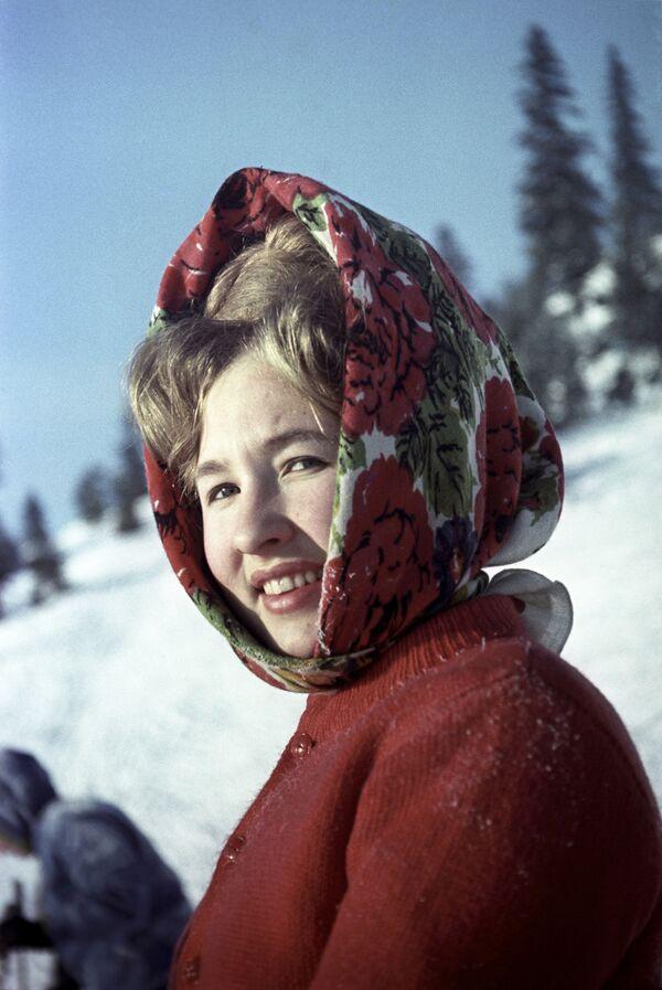 Mieszkanka Permu na nartach, 1966 rok  - Sputnik Polska