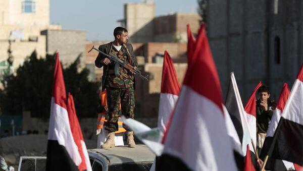 Rebelianci Huti na ulicach Sany świętują zabicie prezydenta Jemenu Ali Abd Allah Saleha. 5 grudnia 2017 - Sputnik Polska