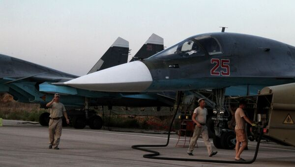Rosyjskie siły powietrzne na lotnisku w Latakii - Sputnik Polska