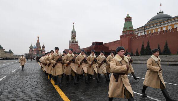 Próba generalna marszu poświęconego 78. rocznicy defilady wojskowej z 1941 roku na Placu Czerwonym - Sputnik Polska