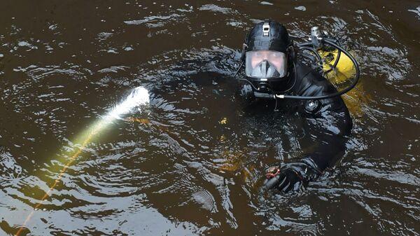 Nurkowie w poszukiwaniu fragmentów ciała zamordowanej w Petersburgu studentki  - Sputnik Polska