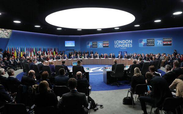 Jubileuszowy szczyt NATO w Londynie  - Sputnik Polska