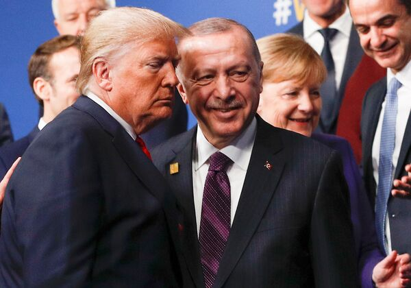 Prezydenci USA i Turcji na szczycie NATO w Londynie  - Sputnik Polska