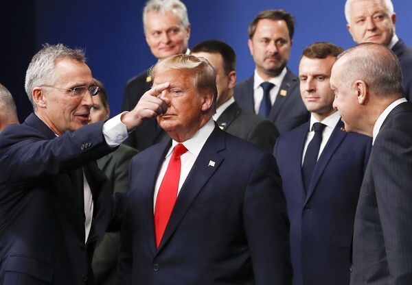 Sekretarz generalny NATO Jens Stoltenberg i prezydent USA Donald Trump na szczycie NATO w Londynie - Sputnik Polska