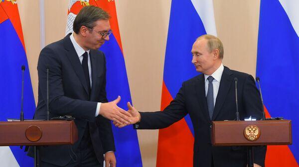 Prezydent Rosji Władimir Putin i prezydent Serbii Aleksander Vucic na konferencji prasowej w Soczi - Sputnik Polska
