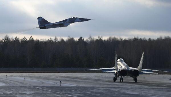 Myśliwce MiG-35 na poligonie Łuchowickiej Fabryki Lotniczej im. Woronina  - Sputnik Polska