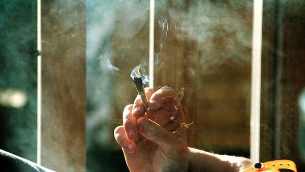Palenie marihuany - Sputnik Polska