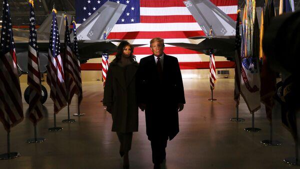 Prezydent USA Donald Trump z żoną Melanią - Sputnik Polska