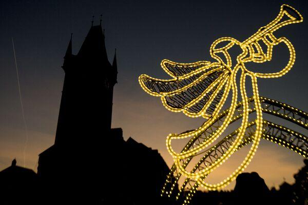 Dekoracje świąteczne na Rynku Staromiejskim w Pradze - Sputnik Polska