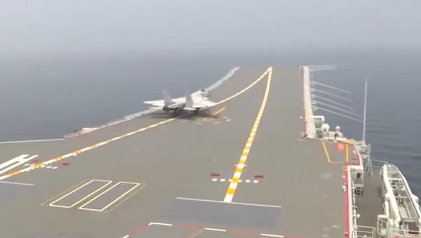 J-15 i Shandong - Sputnik Polska
