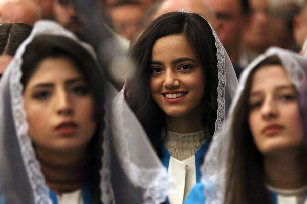 Parafianie podczas mszy Bożonarodzeniowej w irackim Kurdystanie - Sputnik Polska