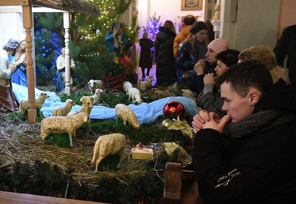 Msza święta w Mińsku, Białoruś  - Sputnik Polska