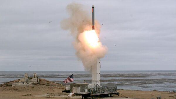 Test rakiety naziemnej w USA - Sputnik Polska
