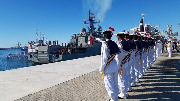 """Wspólne manewry morskie marynarki wojennej Iranu, Rosji i Chin """"Pas bezpieczeństwa morskiego"""" odbyły się w dniach 27-30 grudnia w północnej części Oceanu Indyjskiego i w Zatoce Omańskiej.  - Sputnik Polska"""